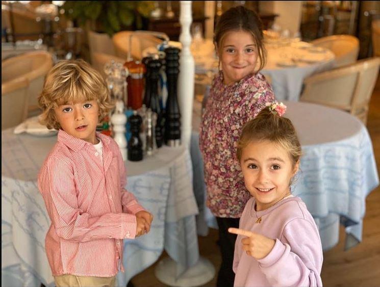 Надежда и Анна Михалкова дети