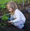 Дети  и  сад . Чем заняться с  детьми  в  саду .  Ребенок  на даче