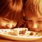 Чипсы вместо обеда. Как контролировать питание ребенка...