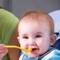 Поведение ребенка за  столом :  как отучить  играть с едой.
