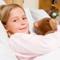 Боль в  горле  и ангина у  детей : антибиотики или  полоскания ?