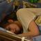 Кормящая мама и детская  кроватка : какую выбрать?