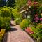 Садовые дорожки на дачном  участке : гравий, брусчатка, бетон?