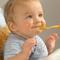 Творог, кефир и яичный желток в питании  ребенка : когда и как?