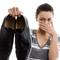 Какие средства выбрать для удаления запаха в обуви