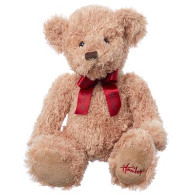 Магазин игрушек Hamleys дарит подарки