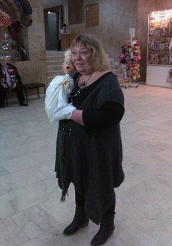 Екатерина Образцова с куклой Тяпой