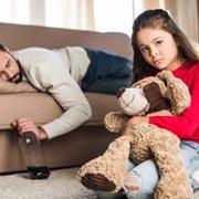Отец выпивает. Как это скажется на детях?