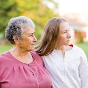 Лора Уэймен: Ухаживать за больным деменцией и продолжать работать: это возможно?