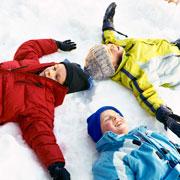 В предвкушении зимних развлечений: собираем ребенка на прогулку
