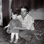 Любил меня без сомнений. А у вас много воспоминаний о дедушке?