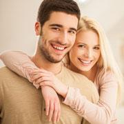 Как показать мужчине, что он вам нравится: 7 сигналов