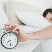 Как научиться легче вставать по утрам: 2 лайфхака от биологов