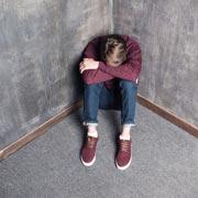 Филиппа Перри: Причина депрессии у взрослого – 'Не плачь!', сказанное ребенку