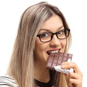 Чего не хватает организму, если тянет на сладкое? 5 полезных добавок