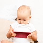 Сколько времени можно играть в планшет ребенку 3 лет?