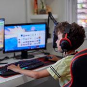 Нед Джонсон: Ребенок много играет на компьютере. Что из него вырастет?