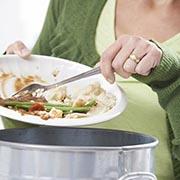 А вы можете не доесть то, что на тарелке? А выбросить еду?