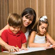 Домашние задания - с мамой, с репетитором, самому. С какого класса?