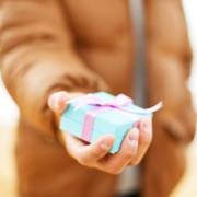 Катерина Демина: Что такое 'уместные' и 'неуместные' подарки?