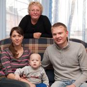 Профессиональные мамы: 11 семей, сотня детей, 15 внуков