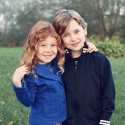 Братья и сестры с маленькой разницей в возрасте: как воспитывать без ссор