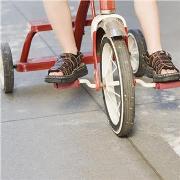 Велотранспорт для малыша: от года до трех. Что выбрать?