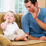 Пенни Уорнер: Папа дома! 5 подвижных игр с родителями в выходной