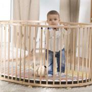Детский манеж: как выбрать? 4 типа конструкций и советы по безопасности