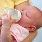 Как и чем кормить малыша?