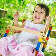 Детские качели для дома: полезно и безопасно