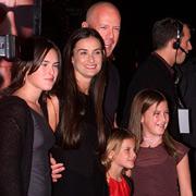 Папины дочки: пять девочек Брюса Уиллиса