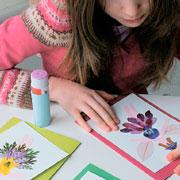 Открытка своими руками из цветов и листьев: мастер-класс с фото