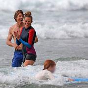 Отдых с ребенком: как звезды проводят время с детьми на пляже