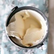 Домашнее мороженое: ванильное классическое и сорбет с малиной