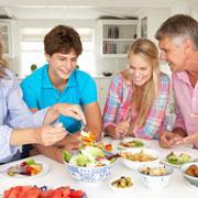 Семейный ужин – против алкоголизма, наркомании и проблем с учебой