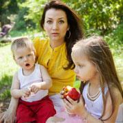 Разница между детьми два с половиной года: как совмещать беременность и уход за старшим