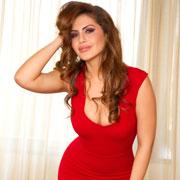 Женщина в красном – настоящий секс-символ