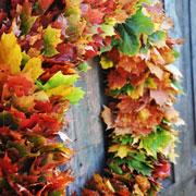 Поделки из природных материалов: осенние листья