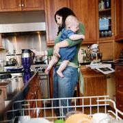 Разница между детьми два с половиной года: вести ли старшего в детский сад