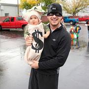 Костюмы на Хэллоуин своими руками и для всей семьи: фото