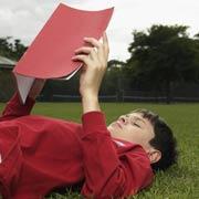 'Сколько страниц ты прочитал?' 7 способов отучить ребенка читать