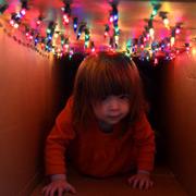 Новогодняя гирлянда и необычная идея домика для детей