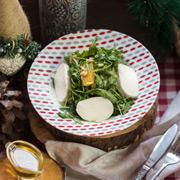 Новогодний стол быстро: 3 салата, ростбиф и сладкое - за 2 часа