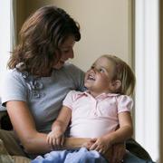 Раннее развитие: во что играть с ребенком и водить ли на «развивалки»?