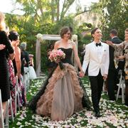 Невесты в черном: свадебные платья, 10 стильных образов