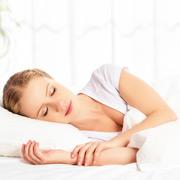 Сон человека: 8 причин спать больше
