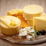 Что мы едим, когда едим сыр. История популярного продукта – и ожирения