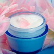 8 марта: что подарить? Корейская косметика или подсолнечное масло