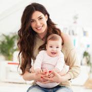 Позвоночник ребенка: что происходит при рождении, в 1 год, в школе